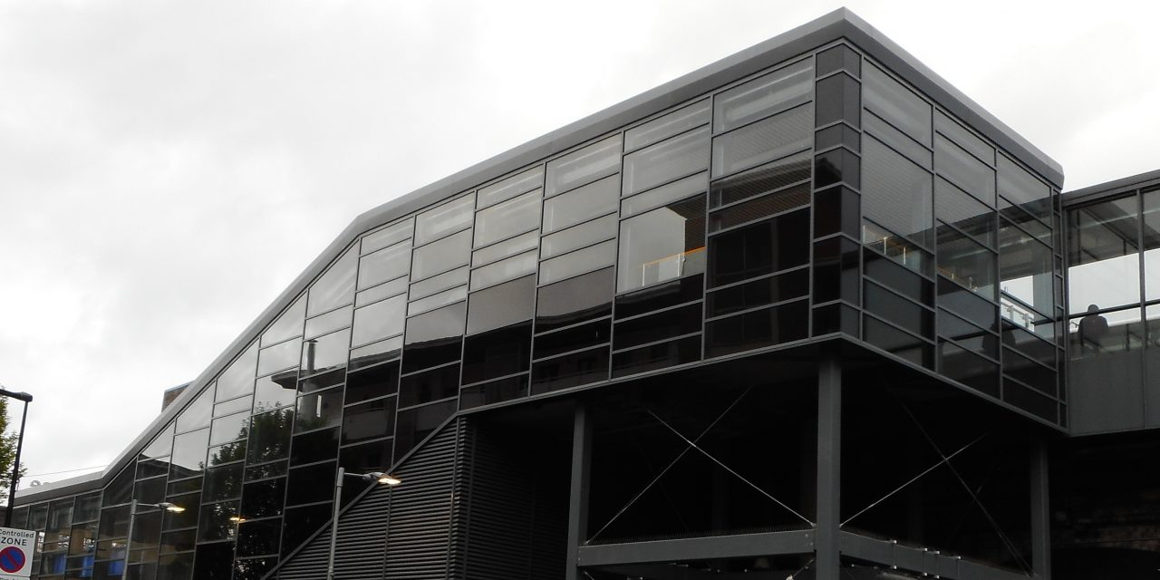 https://www.ggglass.co.uk/wp-content/uploads/2021/03/limehouse-station-curtain-wall-installation-1280x640.jpg